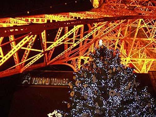 arbol navidad torre tokio