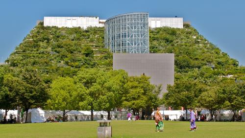 ACROS, un edificio-jardín en Fukuoka