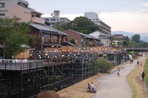 Kawadoko, cenas al aire libre en Kyoto