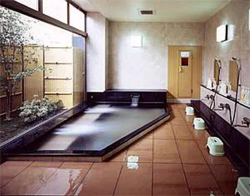 Baños Japoneses Modernos:Por eso, nada de vergüenzas a la hora del baño japonés ¡Es lo
