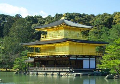 pabellon kioto dorado