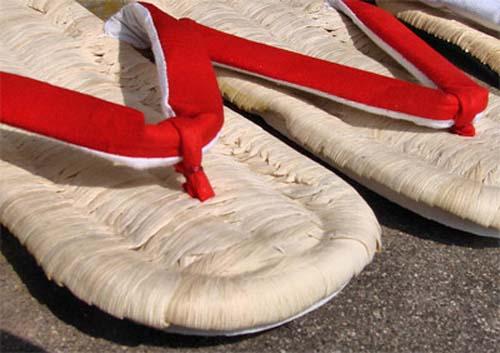 Zapatos tradicionales de Japón
